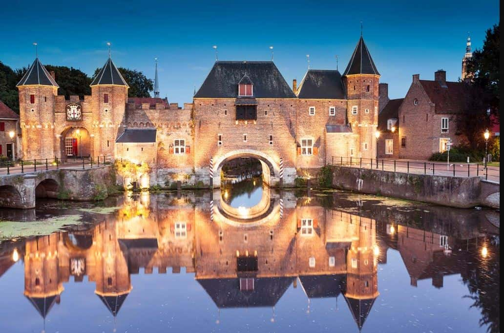 Monolithic gates still protect Amersfoort